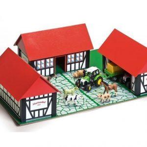 Bull Maatila kolmella rakennuksella ja leikkialustalla