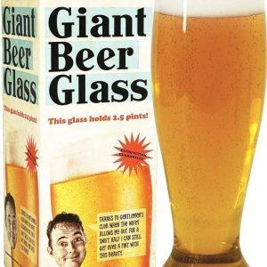 Jättimäinen olutlasi