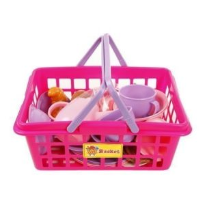 Leikkiastiat ja ruoat korissa