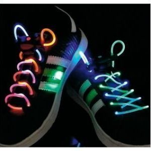 Vilkkuvat kengännauhat